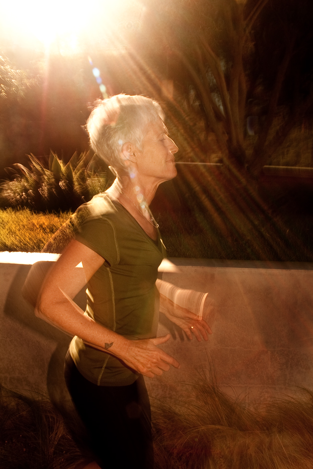 Sun streams down on cancer survivor during photographer shoot in Los Angeles