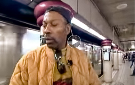 Incredible-acts-of-heroism-by-ordinary-people---saving-person-from-subway-train-death