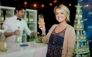 Event-Photography-Los-Angeles-American-Music-Awards-celebrities-Ali-Fedotowsky-holding-margarita-glass-photo-by-Los-Angeles-event-photographer.jpg